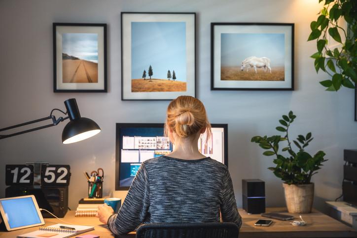 Hybride Arbeitsplätze im Vormarsch: Warum Datenschutz jetzt besonders wichtig ist