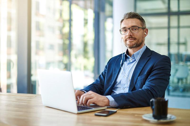 """Kostenloses Webinar """"Erfolgreiches Führen im Home Office"""""""